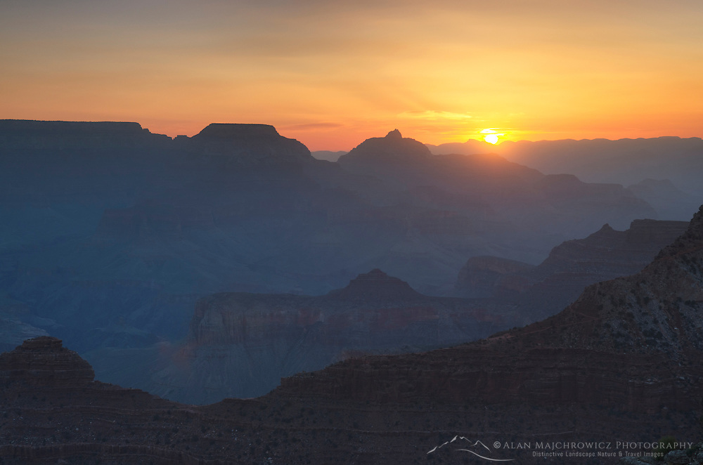 Sunrise over the Grand canyon from Mather Point, Grand Canyon National Park