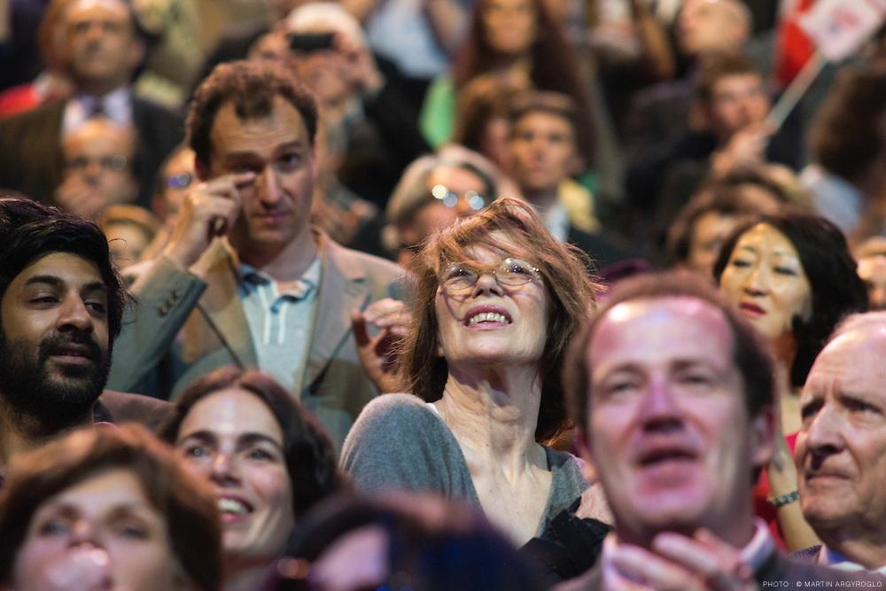 Jane Birkin au Meeting de François Hollande à Paris-Bercy dimanche le 29 avril 2012 - Grand rassemblement pour le changement.n