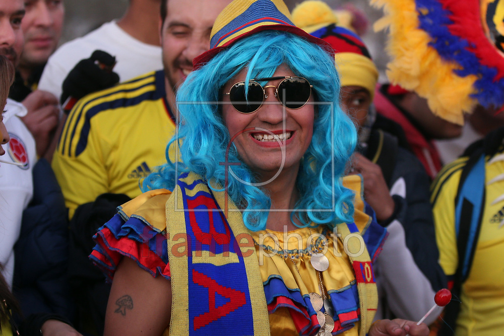 Torcedores chegam  para a partida entre Brasil x Colombia  no  Estádio Monumental David Arellano , na cidade de Santiago, no Chile, válida pela fase de grupos da Copa América 2015 do Chile. Foto ALAN MORICI/FRAME