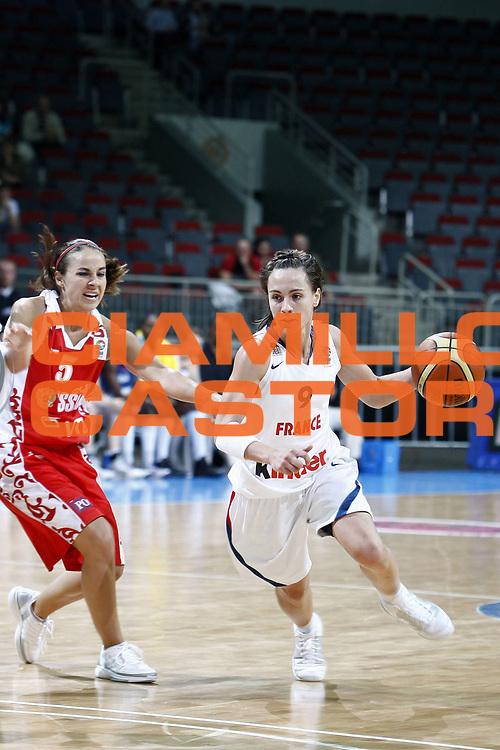DESCRIZIONE : Riga Latvia Eurobasket Women 2009 France-Russia<br /> GIOCATORE : Celine Dumerc<br /> SQUADRA : France<br /> EVENTO : Eurobasket Women 2009 <br /> GARA : France Russia<br /> DATA : 16/06/2009 <br /> CATEGORIA : <br /> SPORT : Pallacanestro <br /> AUTORE : Agenzia Ciamillo-Castoria/E.Castoria<br /> Galleria : Eurobasket Women FFBB<br /> Fotonotizia : Valmiera Latvia Eurobasket Women 2009 France-Russia<br /> Predefinita :