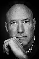 Lars Andersson, entreprenör, miljonär och nykter alkoholist. Fotograferad på Grand Hotel i Lund.