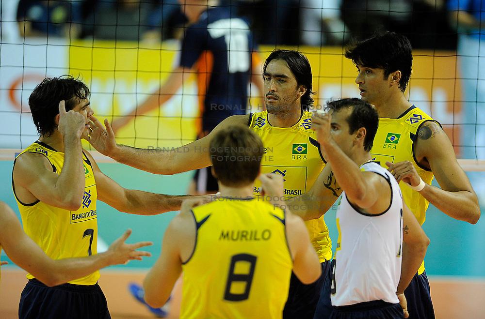 26-06-2010 VOLLEYBAL: WLV NEDERLAND - BRAZILIE: ROTTERDAM<br /> Nederland verliest met 3-1 van Brazilie / Giba, Rodrigao, Vissotto<br /> &copy;2010-WWW.FOTOHOOGENDOORN.NL
