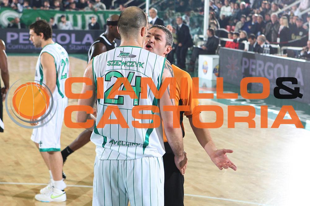 DESCRIZIONE : Avellino Lega A 2009-10 Air Avellino Pepsi Juve Caserta<br /> GIOCATORE : Arbitro<br /> SQUADRA : Air Avellino<br /> EVENTO : Campionato Lega A 2009-2010<br /> GARA : Air Avellino Pepsi Juve Caserta<br /> DATA : 19/12/2009<br /> CATEGORIA : Arbitro Referees Delusione<br /> SPORT : Pallacanestro<br /> AUTORE : Agenzia Ciamillo-Castoria/GiulioCiamillo<br /> Galleria : Lega Basket A 2009-2010 <br /> Fotonotizia : Avellino Campionato Italiano Lega A 2009-2010 Air Avellino Pepsi Juve Caserta<br /> Predefinita :
