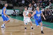 DESCRIZIONE : Treviso Lega A 2011-12 Benetton Treviso Banco di Sardegna Sassari<br /> GIOCATORE : Diener Travis<br /> SQUADRA : Benetton Treviso Banco di Sardegna Sassari<br /> EVENTO : Campionato Lega A 2011-2012 <br /> GARA : Benetton Treviso Banco di Sardegna Sassari<br /> DATA : 17/12/2011<br /> CATEGORIA : Palleggio<br /> SPORT : Pallacanestro <br /> AUTORE : Agenzia Ciamillo-Castoria/G.Contessa<br /> Galleria : Lega Basket A 2011-2012 <br /> Fotonotizia : Treviso Lega A 2011-12 Benetton Treviso Banco di Sardegna Sassari<br /> Predfinita :