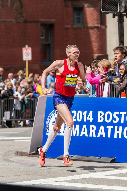 2014 Boston Marathon: turn onto Boylston Street with quarter mile to go, Jason Hartmann