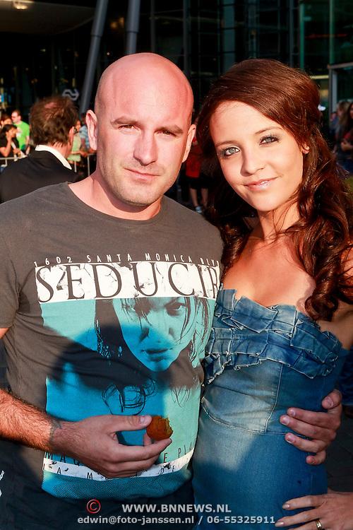 NLD/Amsterdam/20110426 - Premiere Fast & Furious 5, Dean Saunders en partner Jamie Faber