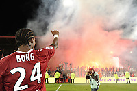 FOOTBALL - FRENCH CHAMPIONSHIP 2010/2011 - L1 - VALENCIENNES FC v OGC NICE - 29/05/2011 - PHOTO ALAIN GADOFFRE / DPPI - JOY GAETAN BONG (VA)