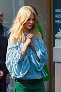Nicole Kidman arriving at Le Printemps Haussmann - 7 Nov 2017