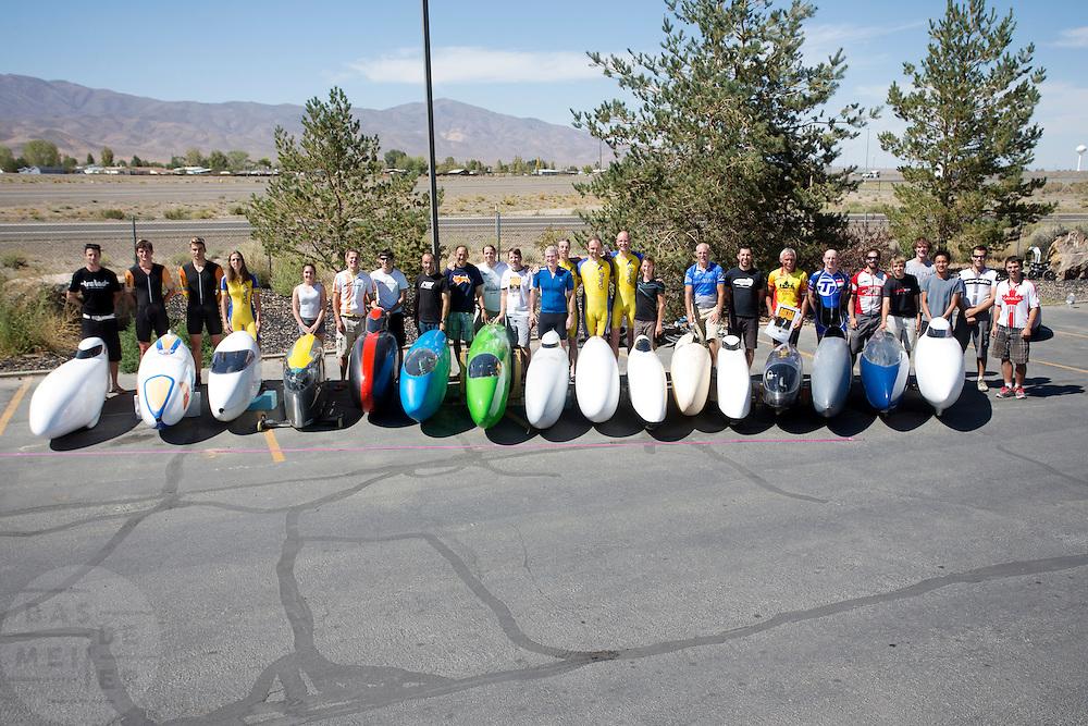 Alle rijders van de WHPSC bij hun fietsen. In de buurt van Battle Mountain, Nevada, strijden van 10 tot en met 15 september 2012 verschillende teams om het wereldrecord fietsen tijdens de World Human Powered Speed Challenge. Het huidige record is 133 km/h.<br /> <br /> The riders of the WHPSC with their bikes. Near Battle Mountain, Nevada, several teams are trying to set a new world record cycling at the World Human Powered Vehicle Speed Challenge from Sept. 10th till Sept. 15th. The current record is 133 km/h.