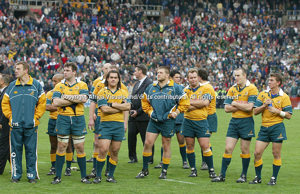 17 August 2002, Ellis Park, Tri - Nations, Rugby Union. South Africa v Australia. Dejected Wallabies. The Springboks defeated Australia, 33-31.<br />
