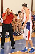 DESCRIZIONE : Scandiano (RE) Lega A 2013-14 Grissinbon Reggio Emilia PBC CSKA Moskow <br /> GIOCATORE : Coach Ettore Messina e Vitalij Fridzon<br /> SQUADRA : PBC CSKA Moskow <br /> EVENTO : PRECampionato Lega A 2013-2014<br /> GARA :  Granarolo Virtus Bologna PBC CSKA Moskow<br /> DATA : 18/09/2013<br /> CATEGORIA : Coach Fair Play <br /> SPORT : Pallacanestro<br /> AUTORE : Agenzia Ciamillo-Castoria/A.Giberti<br /> Galleria : Lega Basket A 2013-2014<br /> Fotonotizia : Scandiano Lega A 2013-14 Grissinbon Reggio Emilia PBC CSKA Moskow  <br /> Predefinita :