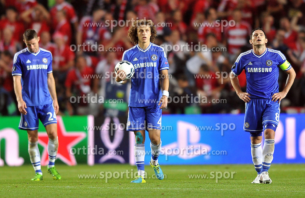 30.08.2013, Eden Stadion, Prag, CZE, UEFA Europa League, FC Bayern Muenchen vs FC Chelsea, im Bild SMUTEK PORAZKA GARY CAHILL DAVID LUIZ FRANK LAMPARD // during UEFA Europa League match between FC Bayern Muenchen and FC Chelsea at the Eden Stadium, Prag, Czech Republic on 2013/08/30. EXPA Pictures &copy; 2013, PhotoCredit: EXPA/ Newspix/ Lukasz Laskowski<br /> <br /> ***** ATTENTION - for AUT, SLO, CRO, SRB, BIH, TUR, SUI and SWE only *****