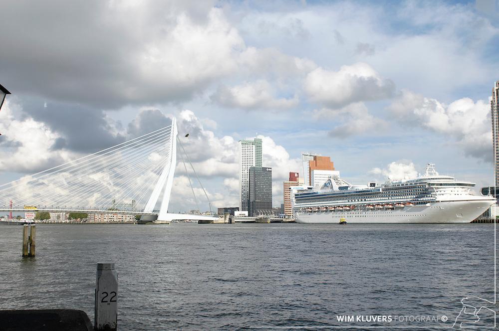 WK20100912-010.NEF.Rotterdam ,kop van zuid