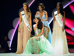 SUN Sun City (SOUTH AFRICA), March 26, 2017  The first prize winner Demi-Leigh Nel-Peters (C, Front) is crowned by Miss South Africa 2016 Ntandoyenkosi Kunene during the?Miss?South?Africa?2017 Pageant and Celebration in Sun City, North West Province,?South?Africa, on March 26, 2017. The?Miss?South?Africa?2017 Pageant and Celebration was held here Sunday. Demi-Leigh Nel-Peters from Sedgefield in the Western Cape Province, a 21-year-old part-time model, was crowned?Miss?South?Africa?2017 with a prize of one million rand (about 80,000 US dollars), and the runners-up are Ade van Heerden (1st Princess) from the Western Cape Province and Boipelo Mabe (2nd Princess) from Gauteng Province. (Credit Image: © Zhai Jianlan/Xinhua via ZUMA Wire)