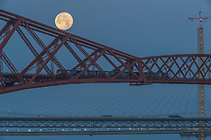Moon over the Forth | South Queensferry | 15 November 2016