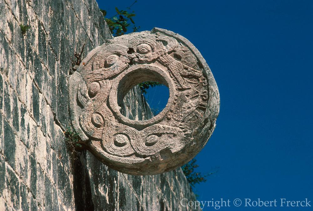 MEXICO, MAYAN, YUCATAN Chichén Itzá; ballcourt stone ring