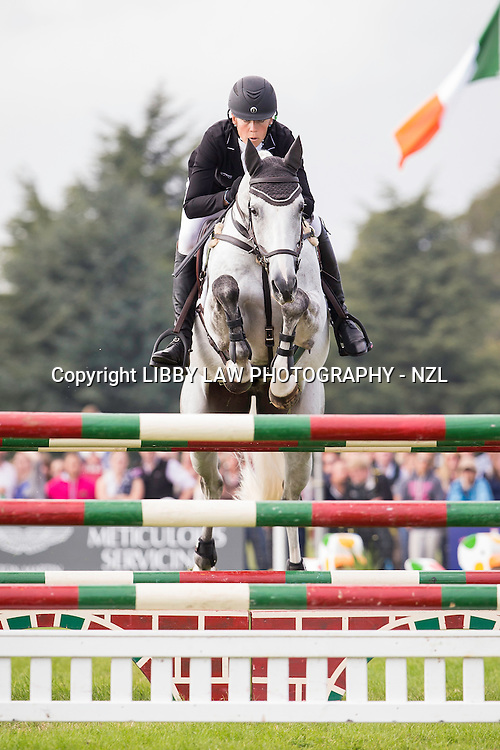 NZL-Lucy Jackson (BOSUN II) FINAL-9TH: CCI3*   SHOWJUMPING: 2014 GBR-Blenheim Palace International Horse Trial (Sunday 14 September) CREDIT: Libby Law COPYRIGHT: LIBBY LAW PHOTOGRAPHY - NZL