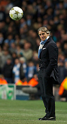 21.11.2012, Etihad Stadium, Manchester, ENG, UEFA Champions League, Manchester City vs Real Madrid, Gruppe D, im Bild Manchester City's manager Roberto Mancini during the UEFA Champions League Group D match against Real Madird CF at the City of Manchester Stadium. during UEFA Champions League group D match between Manchester City and Real Madrid CF at the Etihad Stadium, Manchester, Great Britain on 2012/11/21. EXPA Pictures © 2012, PhotoCredit: EXPA/ Propagandaphoto/ David Rawcliffe..***** ATTENTION - OUT OF ENG, GBR, UK *****