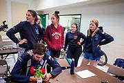 Teleurstelling bij het team nadat ze de vijfde racedag het wereldrecord zijn kwijtgeraakt. Het Human Power Team Delft en Amsterdam, dat bestaat uit studenten van de TU Delft en de VU Amsterdam, is in Amerika om tijdens de World Human Powered Speed Challenge in Nevada een poging te doen het wereldrecord snelfietsen voor vrouwen te verbreken met de VeloX 9, een gestroomlijnde ligfiets. Op 10 september 2019 verbreekt het team met Rosa Bas het record met 122,12 km/u. De Canadees Todd Reichert is de snelste man met 144,17 km/h sinds 2016.<br /> <br /> With the VeloX 9, a special recumbent bike, the Human Power Team Delft and Amsterdam, consisting of students of the TU Delft and the VU Amsterdam, wants to set a new woman's world record cycling in September at the World Human Powered Speed Challenge in Nevada. On 10 September 2019 the team with Rosa Bas a new world record with 122,12 km/u.  The fastest man is Todd Reichert with 144,17 km/h.