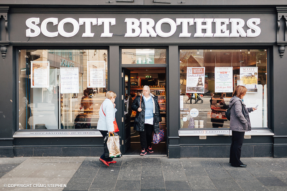 The List Magazine / Dundee City Council - Dundee Larder publication food / environmental photography.<br /> <br /> Scott Brothers Butchers, Nethergate, Dundee.