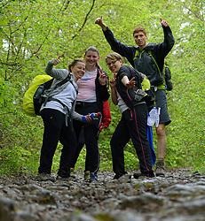 03-05-2015 BEL: BvdGF Outdoorkamp 2015, Dinant<br /> Achttien jongeren van 18 t/m 23 jaar beleven een avontuurlijk kamp in de Belgische Ardennen. Onder begeleiding van een arts, twee diabetesverpleegkundigen en Bas van de Goor gaan ze uitdagende activiteiten aan en ervaren ze wat het effect hiervan op hun diabetes is. Vandaag de dag van lopen en kano /