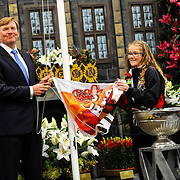King Willem Alexander opens Lentetuin Breezand. Over forty growers from the head of North Holland show every year in this bulb flower show a variety of their flowers. The theme of the event this year is the celebration of 200 years of Kingdom.