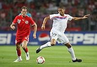 Fussball International Laenderspiel Schweiz 2-0 Costa Rica Patrick Mueller (SUI,re) gegen Alvaro Saborio Corrales (CRO,spielt beim FC Sion)