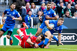 Luke McGrath of Leinster Rugby goes past Liam Williams of Saracens - Mandatory by-line: Robbie Stephenson/JMP - 11/05/2019 - RUGBY - St James' Park - Newcastle, England - Leinster Rugby v Saracens - Heineken Champions Cup Final