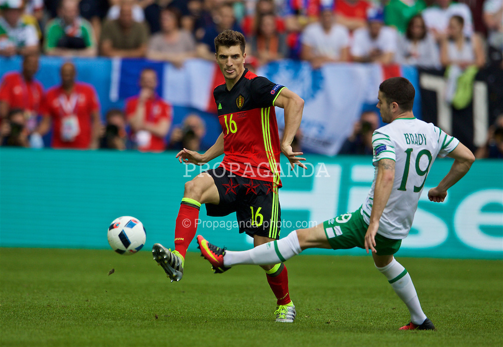 BORDEAUX, FRANCE - Saturday, June 18, 2016: Belgium's Thomas Meunier in action against Republic of Ireland's Robbie Brady during the UEFA Euro 2016 Championship Group E match at Stade de Bordeaux. (Pic by Paul Greenwood/Propaganda)