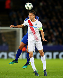 Timmy Simons of Club Brugge challenges Daniel Drinkwater of Leicester City  - Mandatory by-line: Matt McNulty/JMP - 22/11/2016 - FOOTBALL - King Power Stadium - Leicester, England - Leicester City v Club Brugge - UEFA Champions League