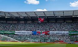 01.05.2019, Woerthersee Stadion, Klagenfurt, AUT, OeFB Uniqa Cup, FC Red Bull Salzburg vs SK Rapid Wien, Finale, im Bild Stadionübersicht, Choreographie der Rapid-Fans // during the Final match of the ÖFB Uniqa Cup between FC Red Bull Salzburg and SK Rapid Wien at the Woerthersee Stadion in Klagenfurt, Austria on 2019/05/01. EXPA Pictures © 2019, PhotoCredit: EXPA/ Johann Groder
