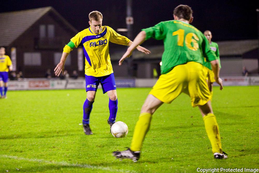 370478-Voetbal FC De Kempen tegen Sint-Lenaarts-Prijstraat Tielen-8 Gwen Van De Poel en 16 (staat niet op spelerslijst )