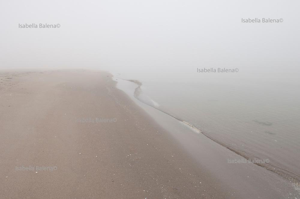 Rosolina, nebbia sulla spiaggia. mare adriatico 2008
