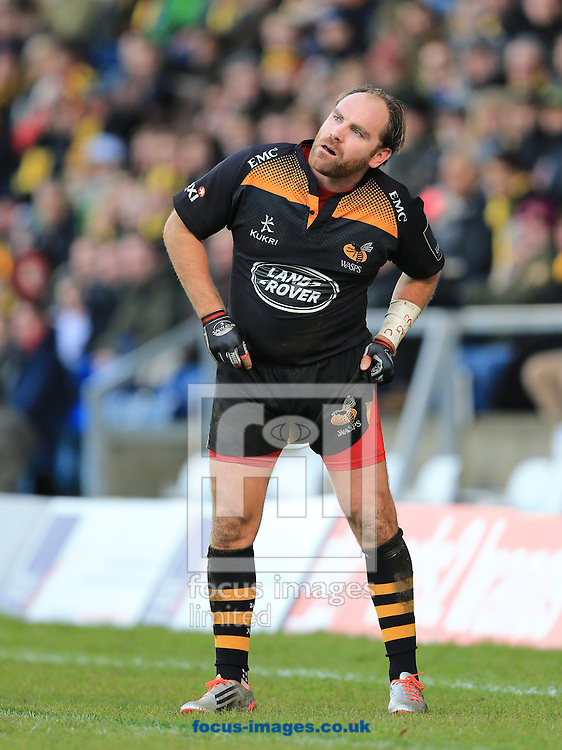 Andy Goode of Wasps watches his kick during the European Rugby Champions Cup match at Adams Park, High Wycombe<br /> Picture by Michael Whitefoot/Focus Images Ltd 07969 898192<br /> 14Duncan Taylor of Saracens2014