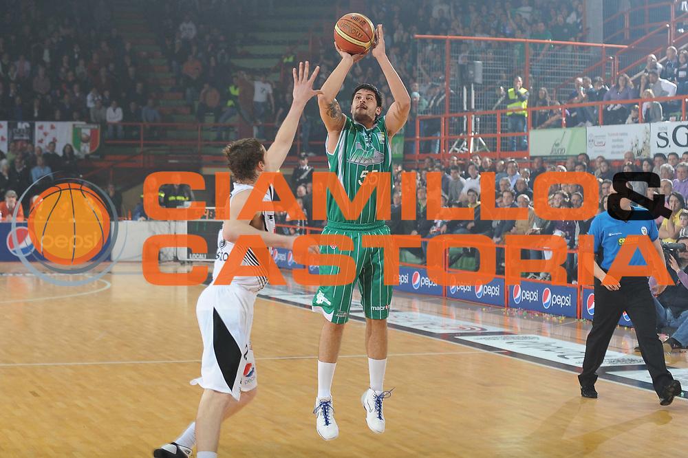 DESCRIZIONE : Caserta Lega A 2009-10 Pepsi Caserta Air Avellino<br /> GIOCATORE : Cenk Akyol<br /> SQUADRA : Pepsi Caserta Air Avellino<br /> EVENTO : Campionato Lega A 2009-2010 <br /> GARA : Pepsi Caserta Air Avellino<br /> DATA : 18/04/2010<br /> CATEGORIA : Tiro Three Points<br /> SPORT : Pallacanestro <br /> AUTORE : Agenzia Ciamillo-Castoria/GiulioCiamillo<br /> Galleria : Lega Basket A 2009-2010 <br /> Fotonotizia : Caserta Campionato Italiano Lega A 2009-2010 Pepsi Caserta Air Avellino<br /> Predefinita : DESCRIZIONE : Caserta Lega A 2009-10 Pepsi Caserta Air Avellino<br /> GIOCATORE : <br /> SQUADRA : Pepsi Caserta Air Avellino<br /> EVENTO : Campionato Lega A 2009-2010 <br /> GARA : Pepsi Caserta Air Avellino<br /> DATA : 18/04/2010<br /> CATEGORIA : <br /> SPORT : Pallacanestro <br /> AUTORE : Agenzia Ciamillo-Castoria/GiulioCiamillo<br /> Galleria : Lega Basket A 2009-2010 <br /> Fotonotizia : Caserta Campionato Italiano Lega A 2009-2010 Pepsi Caserta Air Avellino<br /> Predefinita :