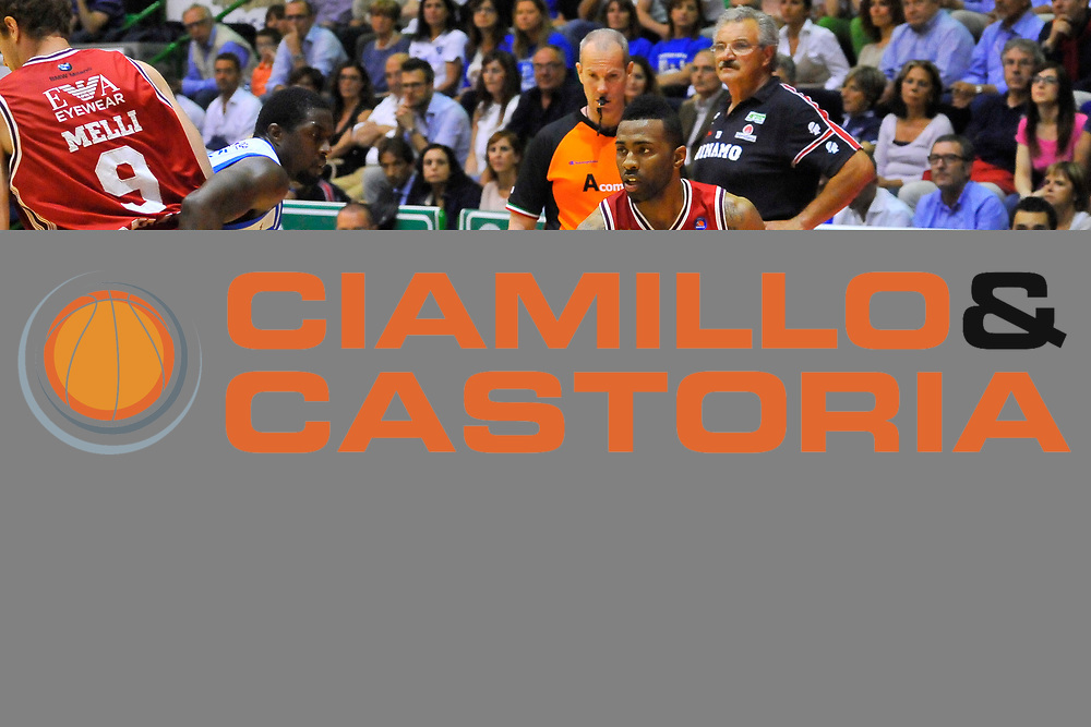 DESCRIZIONE : Campionato 2013/14 Semifinale GARA4  Dinamo Banco di Sardegna Sassari - Olimpia EA7 Emporio Armani Milano<br /> GIOCATORE : Keith Langford Nicolo' Melli<br /> CATEGORIA : Palleggio penetrazione Blocco<br /> SQUADRA : Olimpia EA7 Emporio Armani Milano<br /> EVENTO : LegaBasket Serie A Beko Playoff 2013/2014<br /> GARA : Dinamo Banco di Sardegna Sassari - Olimpia EA7 Emporio Armani Milano<br /> DATA : 05/06/2014<br /> SPORT : Pallacanestro <br /> AUTORE : Agenzia Ciamillo-Castoria / Luigi Canu<br /> Galleria : LegaBasket Serie A Beko Playoff 2013/2014<br /> Fotonotizia : DESCRIZIONE : Campionato 2013/14 Semifinale GARA4 Dinamo Banco di Sardegna Sassari - Olimpia EA7 Emporio Armani Milano<br /> Predefinita :