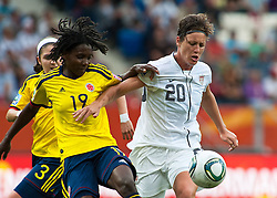 02.07.2011, Rhein-Neckar-Arena, Sinsheim, GER, FIFA Women Worldcup 2011, GRUPPE C, USA (USA) vs. Kolumbien (COL) , im Bild Fatima MONTANO (COL #19, Aguila Roja) und Abby WAMBACH (USA #20, Boca Raton magicJack)   // during the FIFA Women Worldcup 2011, Pool C, USA vs. Colombia on 2011/07/02, Rhein-Neckar-Arena, Sinsheim, Germany. EXPA Pictures © 2011, PhotoCredit: EXPA/ nph/  Roth       ****** out of GER / CRO  / BEL ******