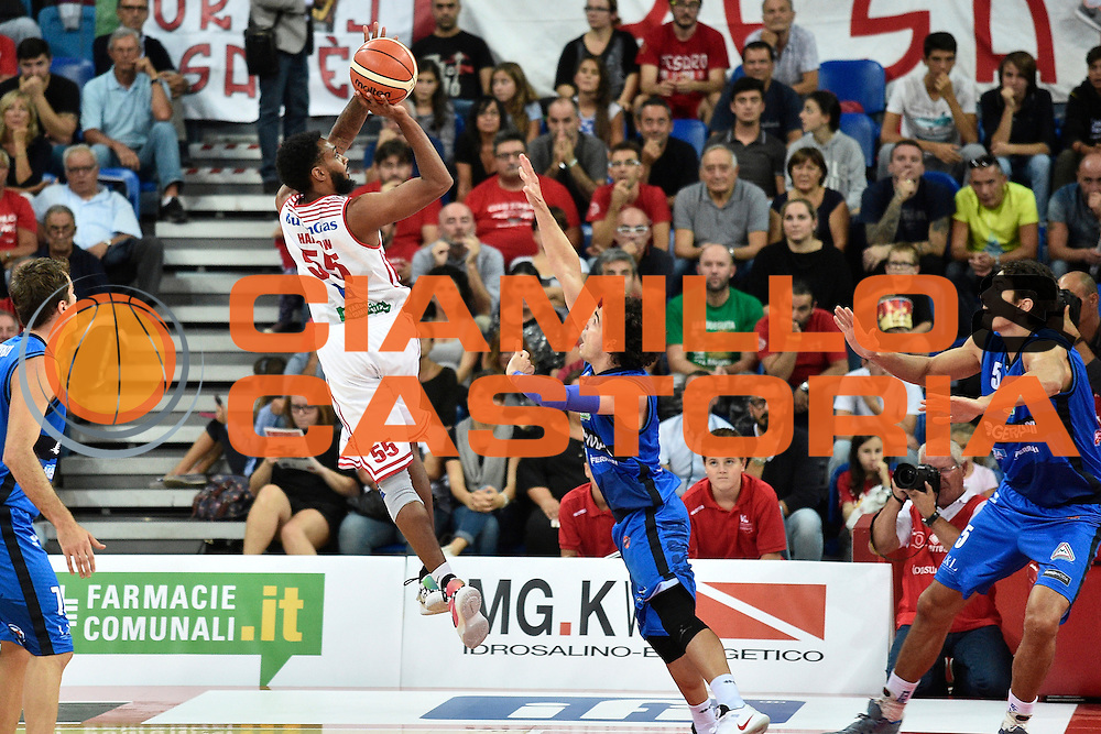 Harrow Ryan <br /> Consultinvest Pesaro - Germani Basket Brescia<br /> BASKET Serie A 2016 <br /> Pesaro 02/10/2016 <br /> FOTO CIAMILLO
