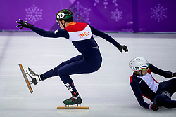 20-02-2018 KOR: Olympic Games day 11, PyeongChang<br /> 500m mannen shorttrack / Dylan Hoogerwerf of the Netherlands, Sebastien Lepape of France