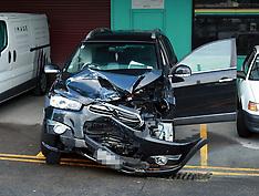 Auckland-Man arrested after Glen Eden collision