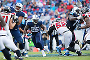 NASHVILLE, TN - OCTOBER 25:  Antonio Andrews #26 of the Tennessee Titans runs the ball in the middle of the line against the Atlanta Falcons at Nissan Stadium on October 25, 2015 in Nashville, Tennessee.  The Falcons defeated the Titans 10-7.  (Photo by Wesley Hitt/Getty Images) *** Local Caption *** Antonio Andrews