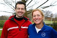 WASSENAAR - jeugdcoach Conny Wenting met Tim van Heusen Hoofdpro. Jeugdgolf op Golfclub Rozenstein. COPYRIGHT KOEN SUYK