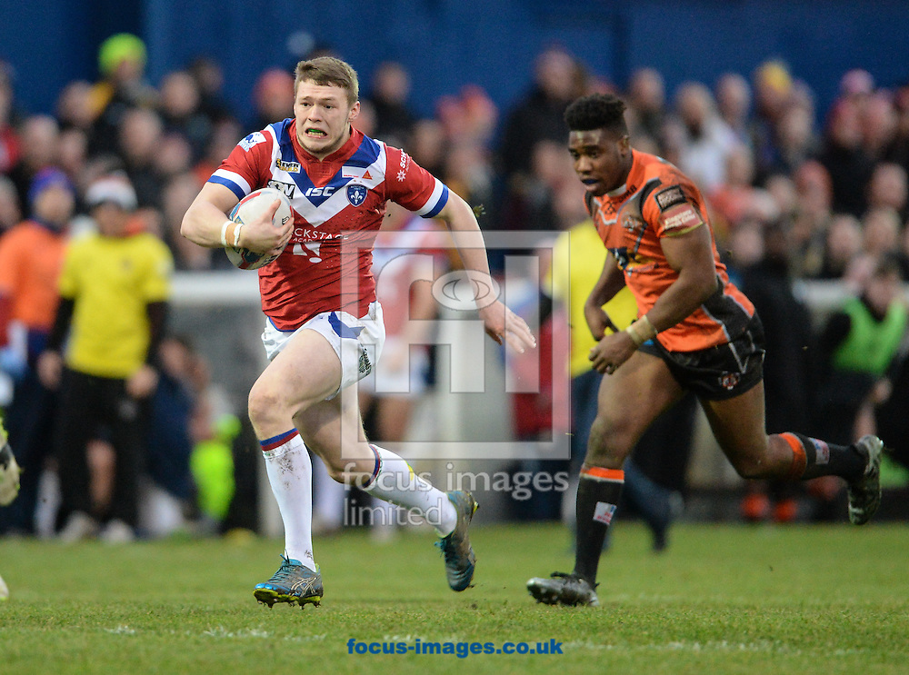 James Batchelor of Wakefield Trinity Wildcats makes a break during the Pre-season Friendly match at Belle Vue, Wakefield<br /> Picture by Richard Land/Focus Images Ltd +44 7713 507003<br /> 15/01/2017