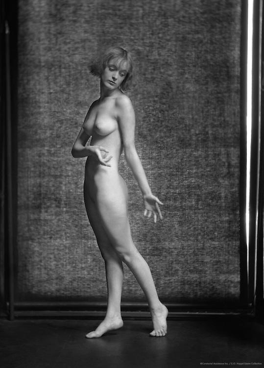 Eileen Hawthorne, actress & model, 1923