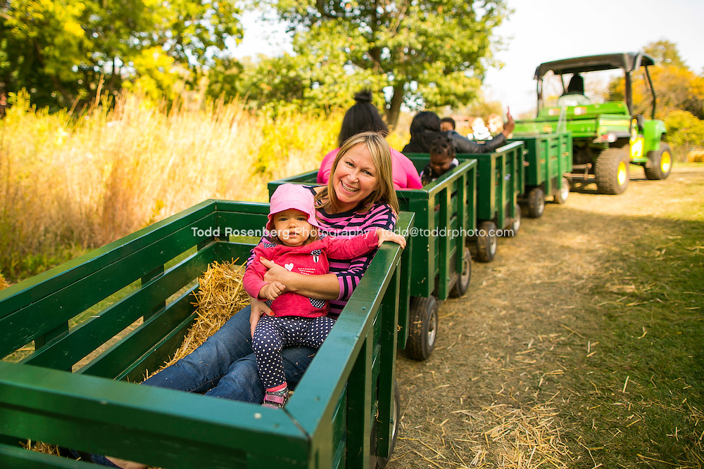 10/10/15 1:43:41 PM -- Chicago, IL, USA<br /> <br /> Lincoln Park Zoo Fall Festival <br /> <br /> . &copy; Todd Rosenberg Photography 2015