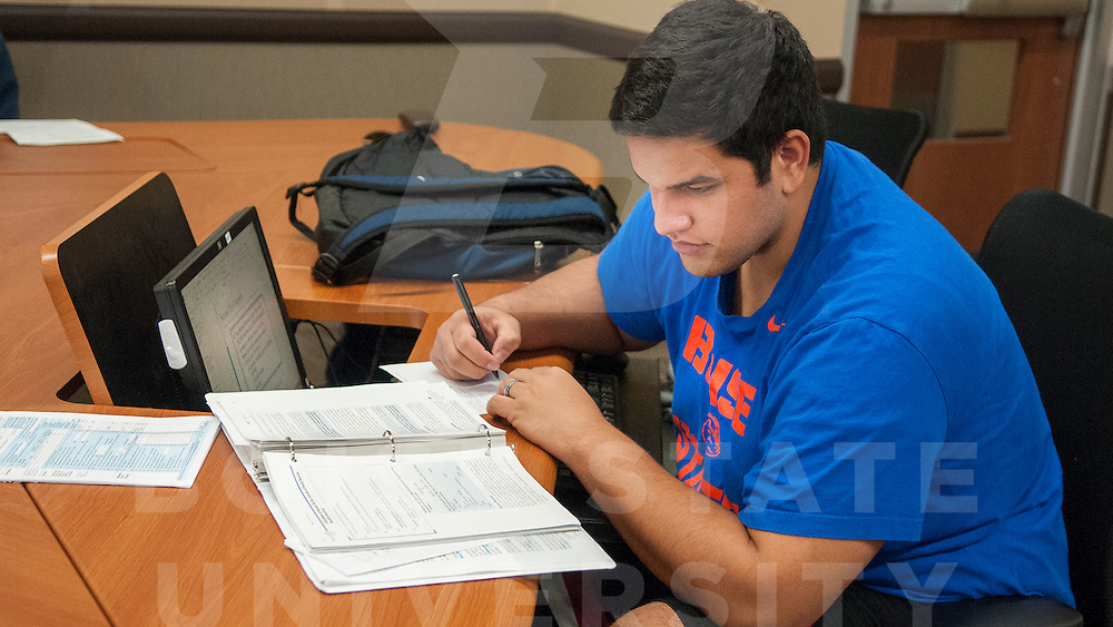 Students Studying, Micron Business Economics Building, David Maka, Accounting Tutoring, Photo by Ashley Alexander