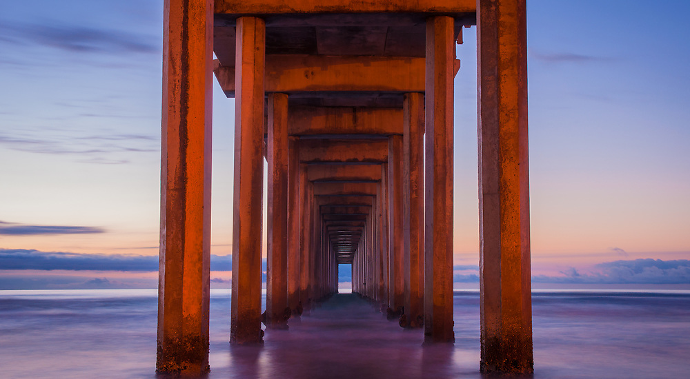 This is a picture of the Scripps Pier in California.