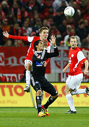 10.12.2011, Coface Arena, Stuttgart, GER, 1.FBL, 1. FSV Mainz 05 vs Hamburger SV, Niko BUNGERT, FSV Mainz - Jose Paolo GUERRERO, HSV // during the match from GER, 1.FBL, 1. FSV Mainz 05 vs Hamburger SV on 2011/12/10, Coface Arena, Mainz, Germany. EXPA Pictures © 2011, PhotoCredit: EXPA/ nph/ A.Huber..***** ATTENTION - OUT OF GER, CRO *****
