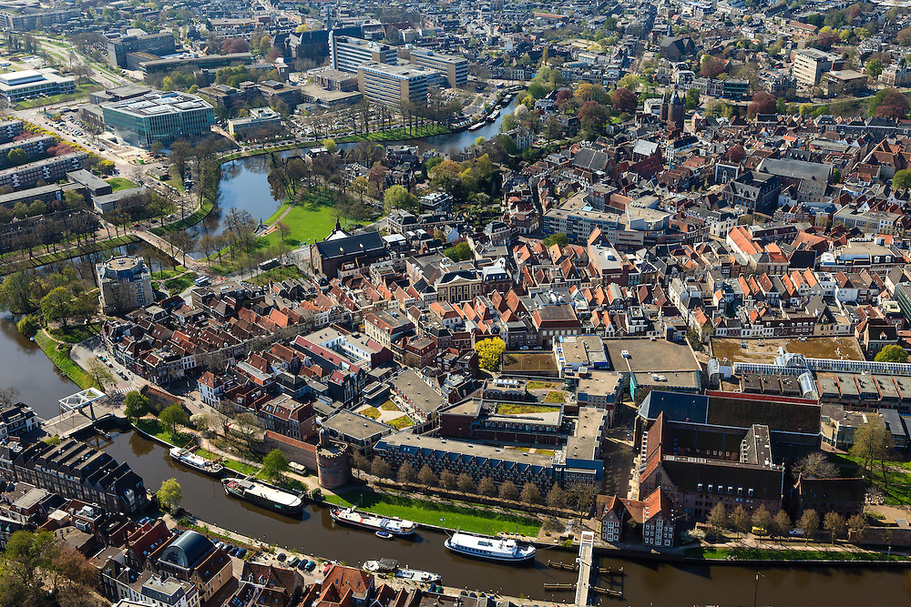 Nederland, Overijssel, Zwolle, 01-05-2013; historische binnenstad Zwolle met aan de Thorbeckegracht en Stadsmuur. Rechts complex met De Librije en Waanders In de Broeren.<br /> Historical inner city of Zwolle.<br /> luchtfoto (toeslag op standaardtarieven);<br /> aerial photo (additional fee required);<br /> copyright foto/photo Siebe Swart.