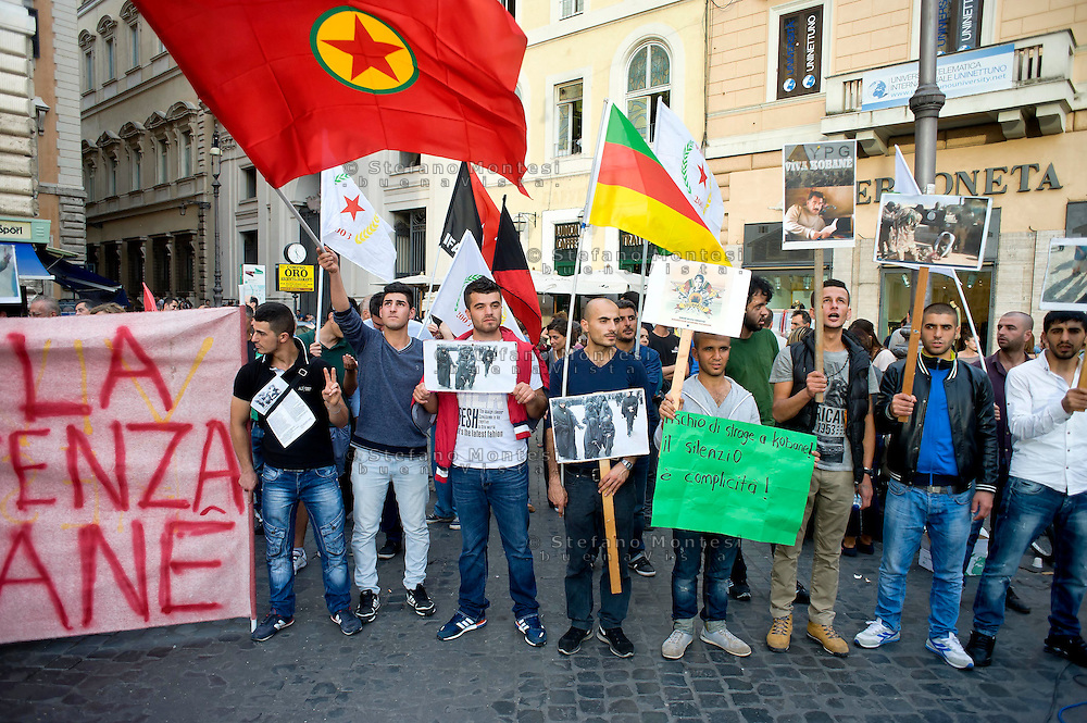Roma 17 Ottobre 2014<br /> Manifestazione delle associazioni dei curdi a Roma per &laquo;salvare la citt&agrave; di Kobane, dall'avanzata dell'Isis&raquo;.  Il sit-in di solidariet&agrave; al popolo curdoa piazza Argentina  sostiene la resistenza di Kobane, la citt&agrave; a nord della Siria al confine con la Turchia che resiste all'Isis.<br /> Rome, Italy. 17th October 2014 -- Members of Kurdish associations  in Rome calling for the Syrian-Kurdish town of Kobane to be saved from advancing Islamic State fighters. -- Members of Kurdish associations in Rome staged a rally at Argentina  square, calling for the Syrian-Kurdish town of Kobane to be saved from advancing Islamic State fighters.